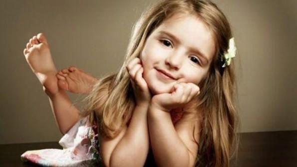 ¡Entérate! Lo que esta pequeña le hace a su mascota sorprendió a las redes sociales (VIDEO)